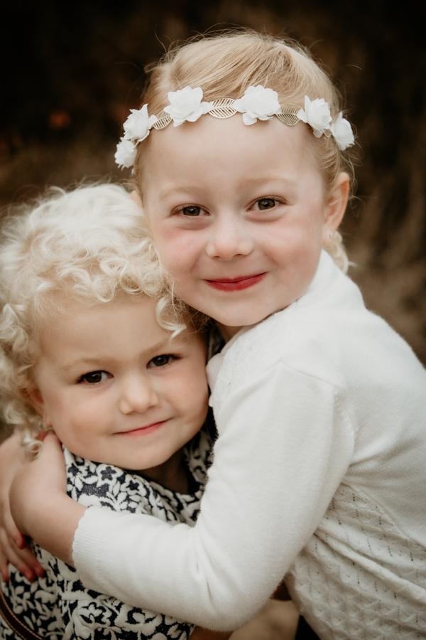 sisters, siblings, family, portraits, children, kids