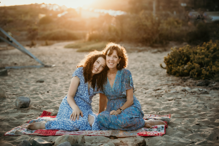 senior session, mother and daughter, golden hour,beach