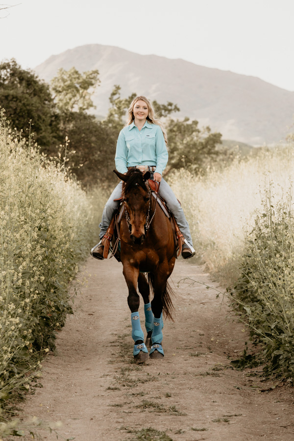 senior session, girl and horse