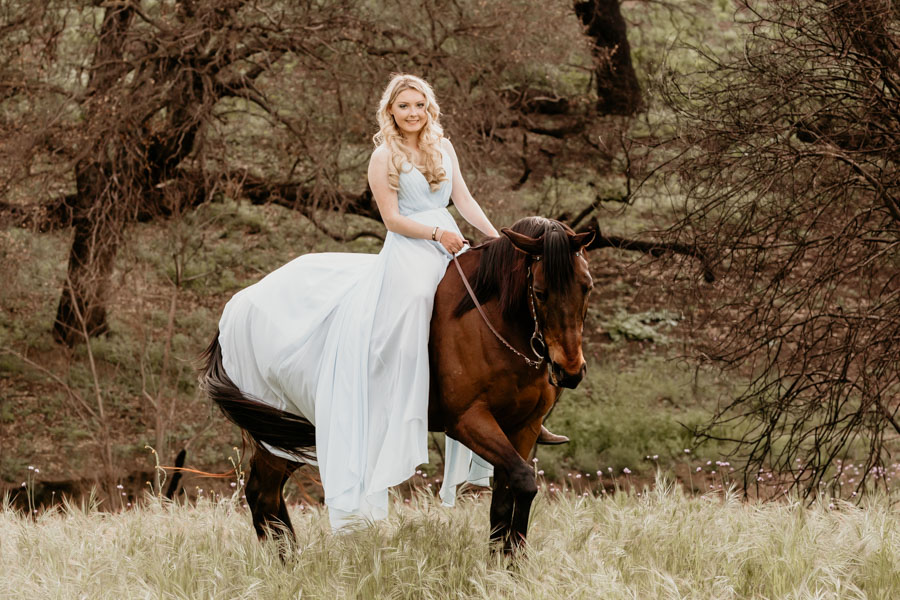 senior session, horse, girl and horse