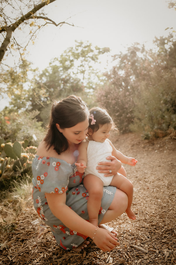 mother and daughter, family portraits, babies
