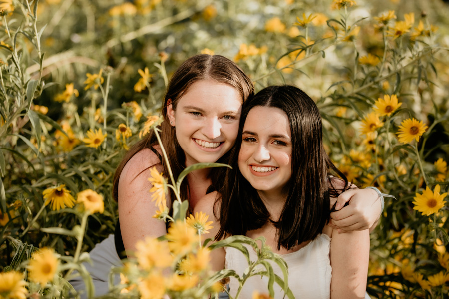 senior portraits, sisters, teens